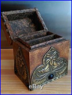 ANCIENNE BOITE A JEU DE CARTES ART NOUVEAU AVEC CARTES style ALFRED DAGUET