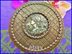 Ancienne Boite A Bijoux Bronze Femme Au Iris Art Nouveau Antiquité XIX