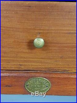 Ancienne boite en bois de mercerie avec de nombreux tiroirs. Très bel état
