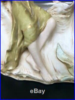 ROYAL DUX ANCIEN VASE EN BISCUIT PORCELAINE FEMME art nouveau bohemia 1900